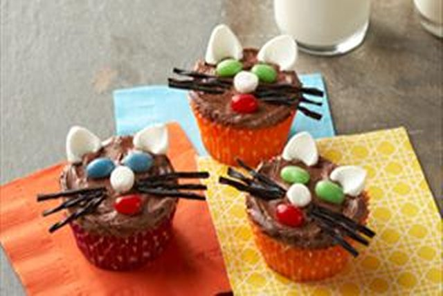 Chocolate Cat Cupcakes Image 1