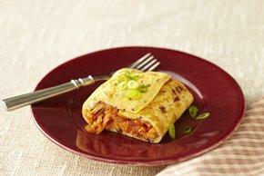 Omelette enrollado de tinga de pavo