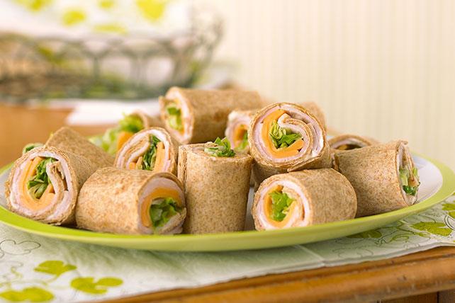 Sencillos enrollados de tortilla y pavo Image 1