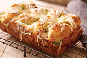 Jalapeño & Cheese Monkey Bread