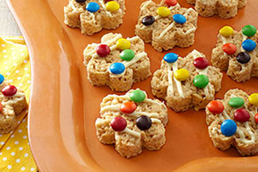 Peanut Butter-Polka Dot RICE KRISPIES® TREATS™