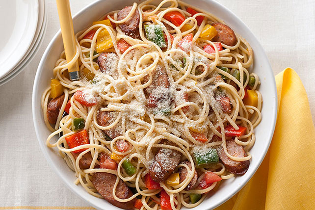 Chicken Sausage, Peppers & Tomatoes with Linguine Image 1