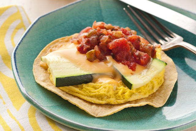Tortilla de huevos, calabacitas y queso Image 1