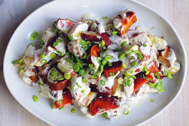Salade de pommes de terre trois couleurs aux herbes et à l'ail Image 1