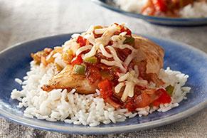 Arroz con pollo y salsa