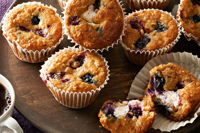 Berry & Oatmeal Cheesecake Muffins