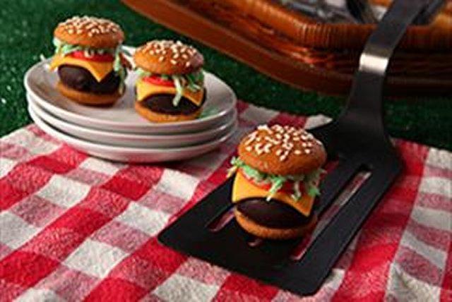 """Sweet """"Burger"""" Bites Image 1"""