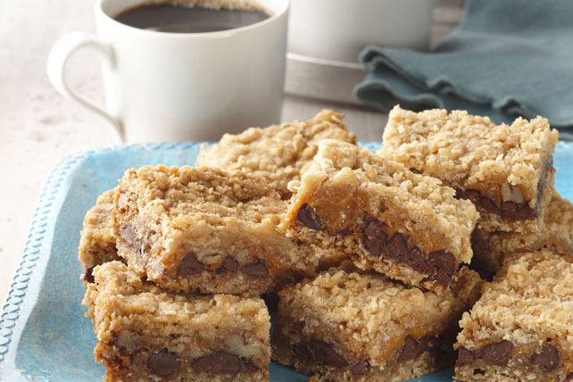 Chocolate, Caramel & Oatmeal Bars Image 1