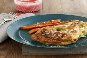 Pollo asado y zanahorias con puré de yuca