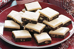 Two-Layer Cookie Crunch Fudge