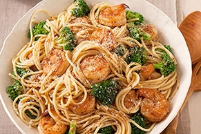 Spaghetti with Garlic-Shrimp & Broccoli