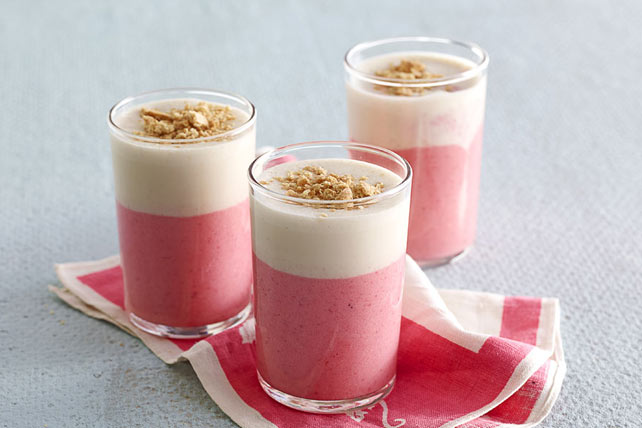 Strawberry-Swirl Cheesecake Smoothie Image 1