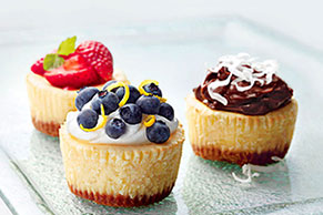 Mini cheesecakes PHILADELPHIA con moras azules