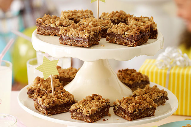Chocolate & Peanut Butter Oatmeal Bars Image 1