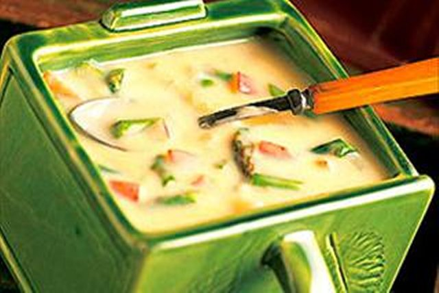 Asparagus and Cheese Potato Soup Image 1