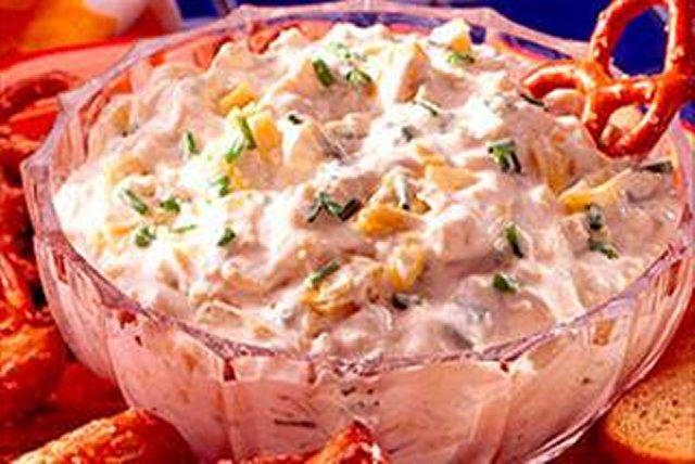 Artichoke Dip with Pretzels Image 1