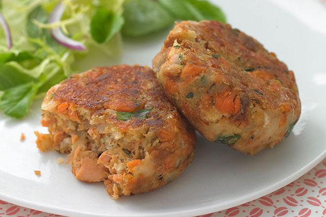HEALTHY LIVING Salmon Cakes Recipe Image 1