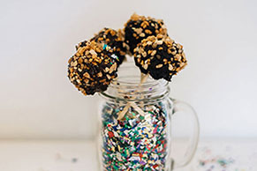 Chocolate-Peanut Butter Crunch Pops