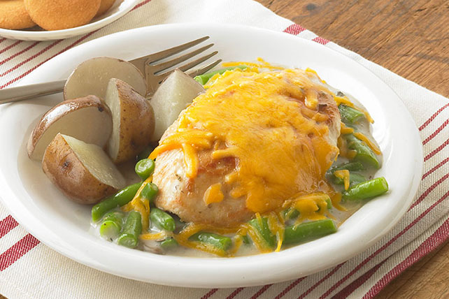 Cheesy Chicken, Mushroom & Green Bean Skillet Image 1