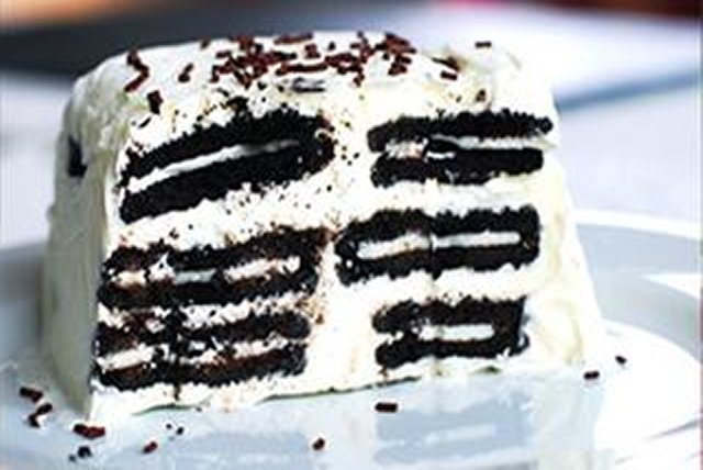 Chocolate Cookie Icebox Cake Image 1
