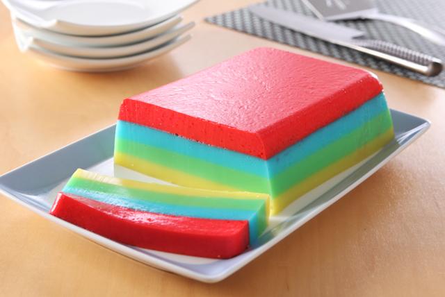 Dessert arc-en-ciel à la gelée JELL-O Image 1