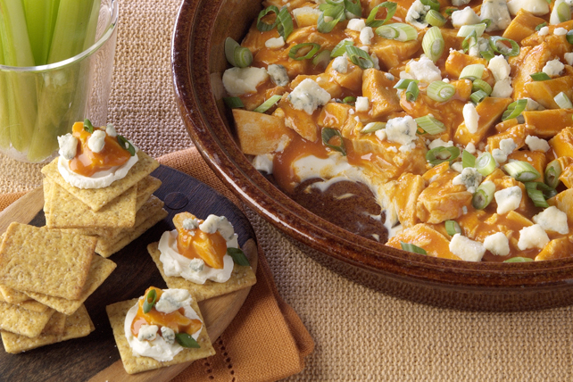 PHILADELPHIA Buffalo Chicken Dip Image 1