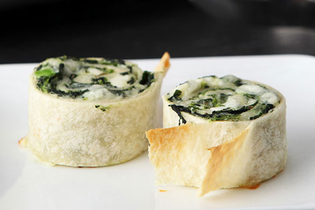 Cheesy Greek Pinwheel Appetizers Image 1