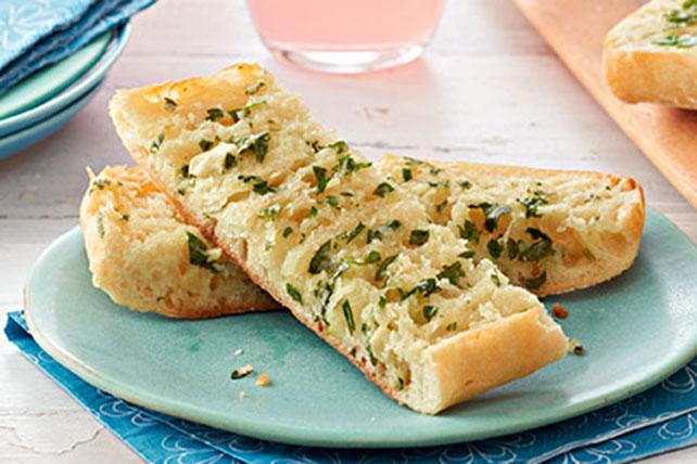 Parmesan-Basil Garlic Bread Image 1