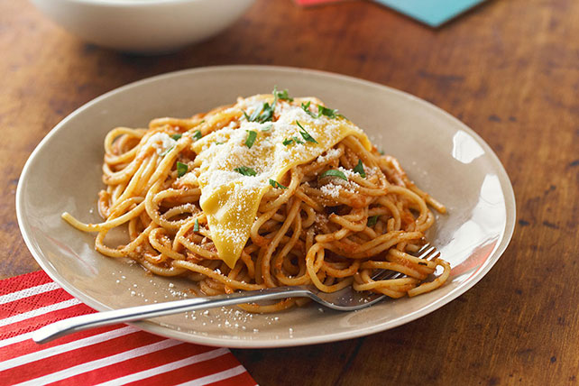 Easy Cheesy Spaghetti with Spinach and Parmesan Image 1