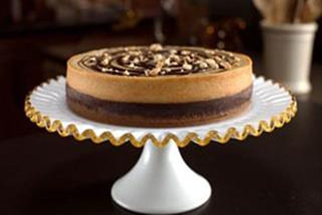 Sandra Lee's Chocolate Peanut Butter Cheesecake Image 1