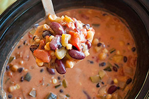 Slow-Cooker Vegetable Chili con Queso