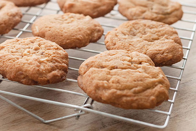 Butterscotch-Toffee Pudding Cookies Image 1