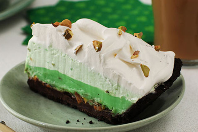 Triple-Layer Pistachio Pudding Pie Image 1