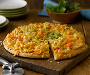 Buffalo Mac & Cheese Pizza