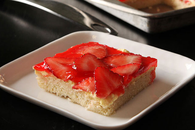 Glazed Strawberry Bars Image 1