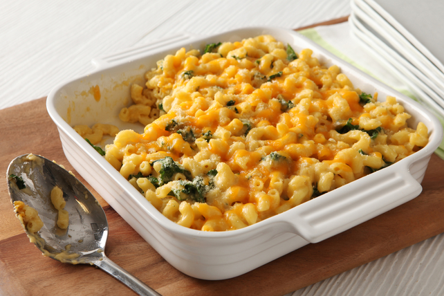 Baked Macaroni & Cheese with Greens Image 1