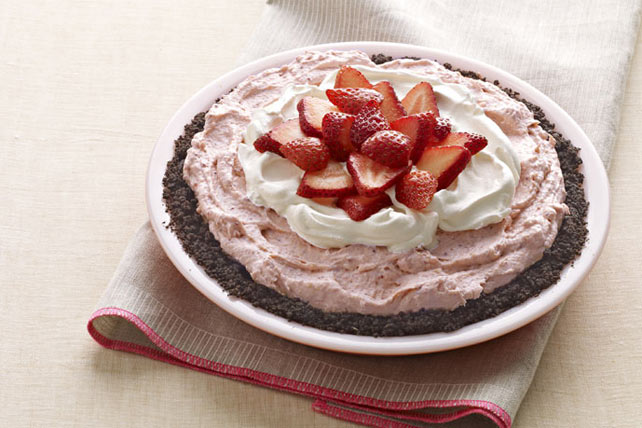 easy-strawberry-cream-pie-162193 Image 1