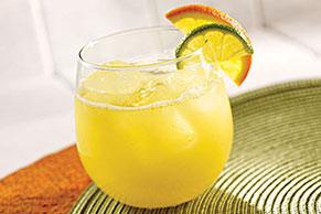 Refresco de limón y naranja a la caipiriña