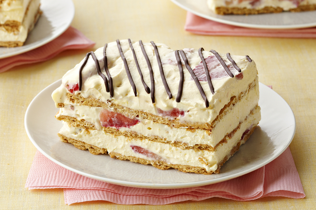 Strawberry Icebox Cake Image 1