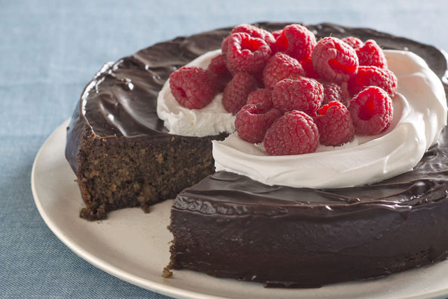 Flourless Chocolate Quinoa Cake with Chocolate Ganache Glaze Image 1