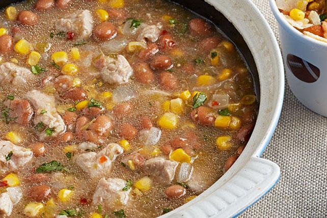 Guisado de cerdo, frijoles y salsa verde Image 1