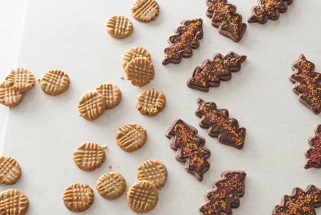 Chewy Honey Roasted Peanut Butter Cookies Image 1