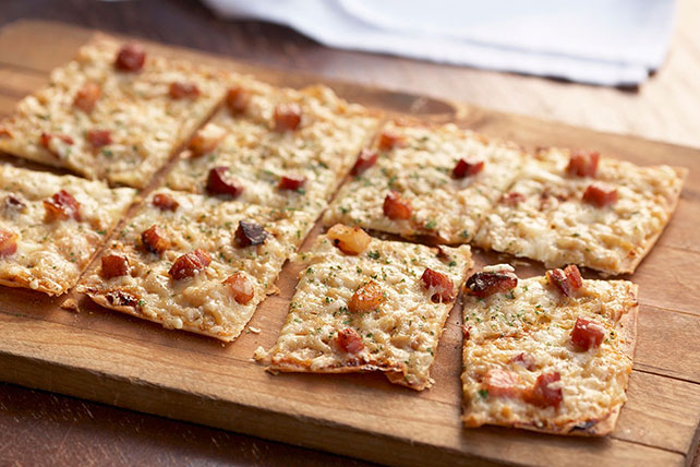 Crispy Bacon Flatbread Pizza Recipe