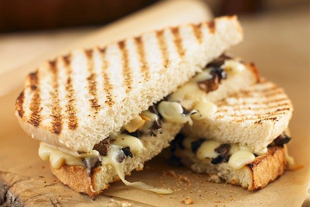 Panini au fromage et aux champignons Image 1