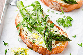 Roasted Asparagus Bruschetta