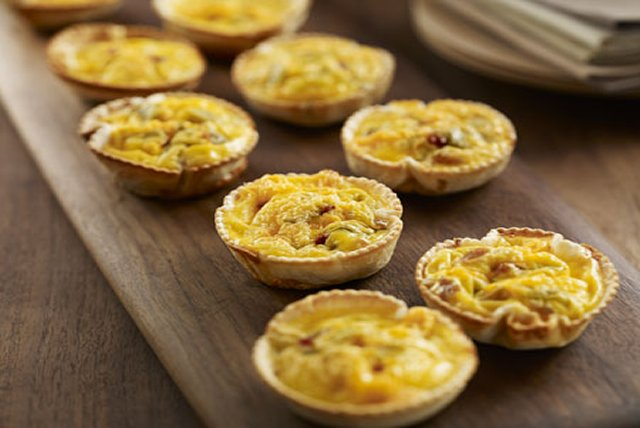 Mini Chile-Bacon Egg Muffins Recipe