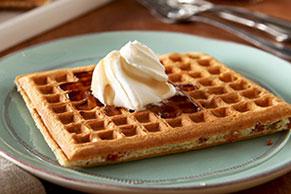 Waffles con trocitos de tocino