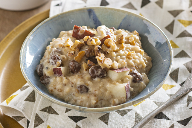 Creamy Slow-Cooker Oatmeal with Pears & Walnuts Image 1