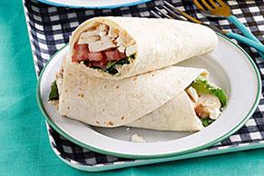 Wraps mediterráneos de pollo y humus