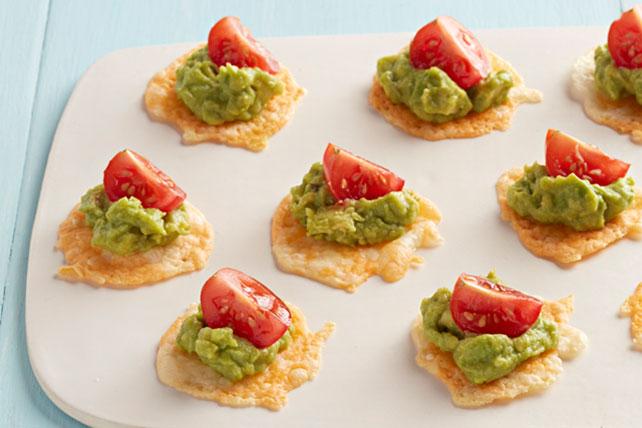 Crujientes bocadillos de queso con guacamole Image 1